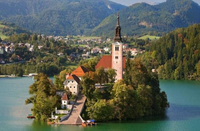 巴尔干匈牙利+斯洛文尼亚+克罗地亚+波黑13天之旅