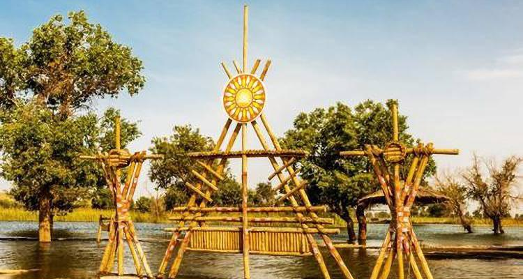 新疆罗布人,天山,香妃墓,卡拉库里湖,金草滩三飞8日游