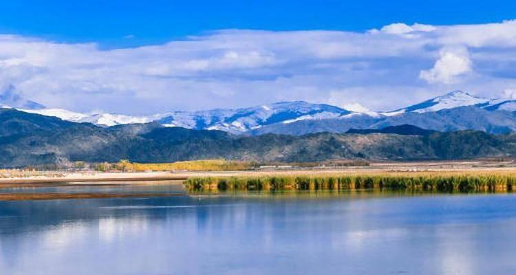 新疆禾木,五彩滩,可可托海,天山天池,火焰山,坎儿井双飞8日游