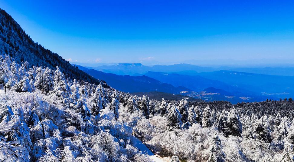 峨眉山风景图片3