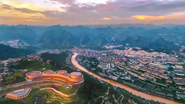 贵州旅游景点-仁怀茅台酒镇介绍-遵义旅游-酒镇地理位置